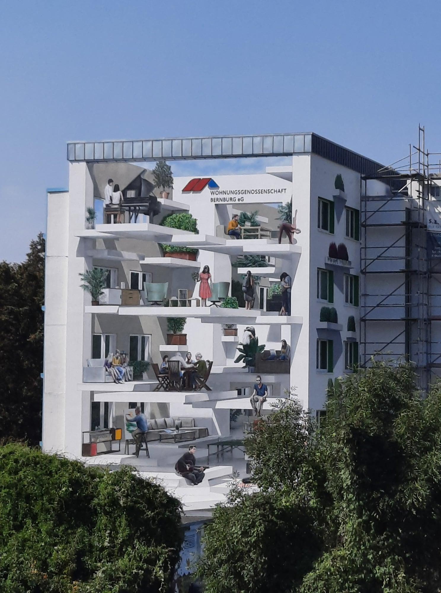 Marco Brzozowski zaubert Fassadenkunstwerk in Bernburg